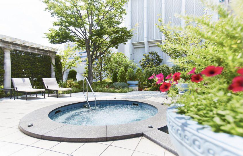 The Ritz Carlton Osaka Jacuzzi