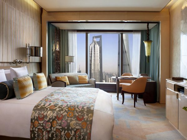 The Ritz Carlton Shanghai Pudong City Light View Room