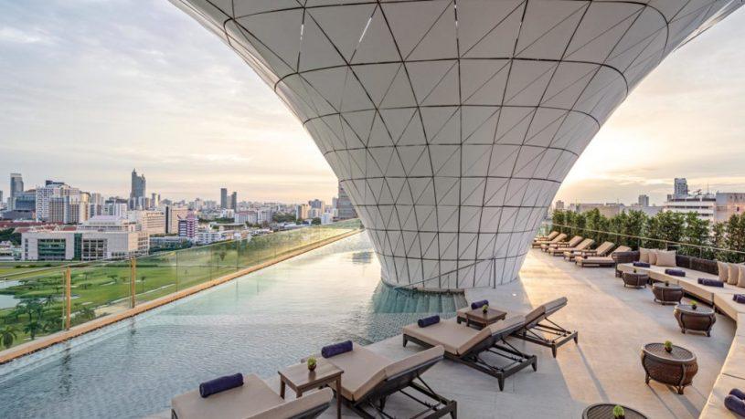 Waldorf Astoria Bangkok outdoor Pool