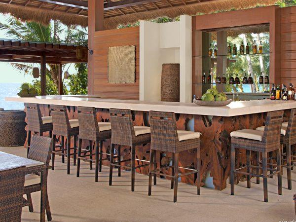 Pangulasian Island Resort Bar