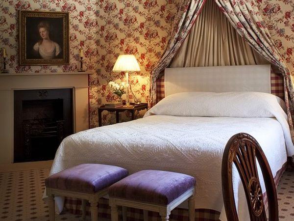 Ballyfin Demesne 5 Star Hotel The Lady Sarah Pole