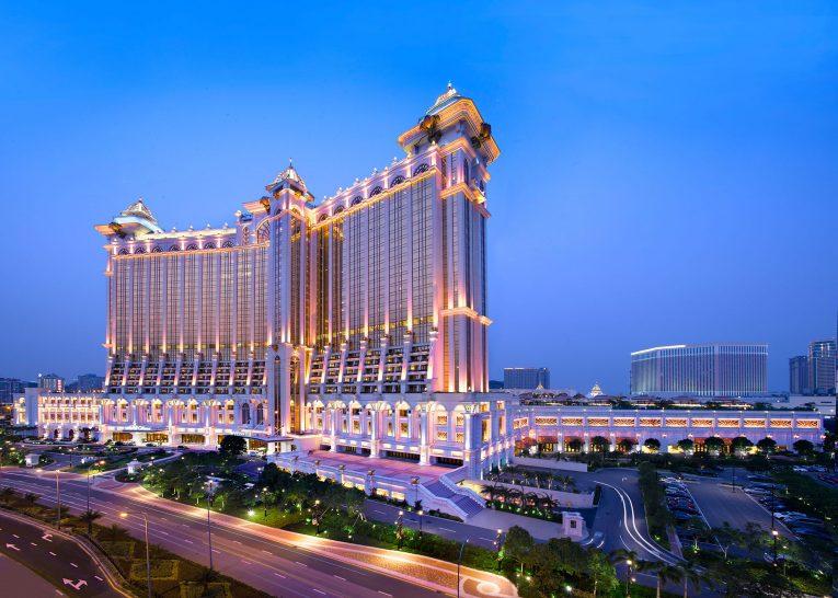 Banyan Tree Macau Exterior Night