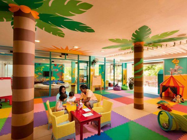 Constance Halaveli Maldives Kids culb