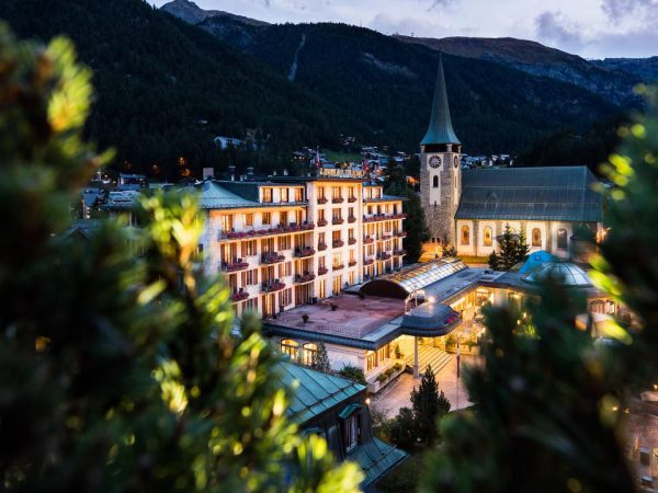 Grand Hotel Zermatterhof Night View