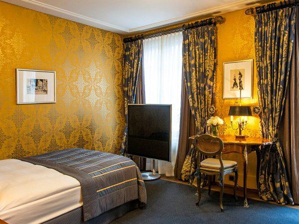 Hotel Les Trois Rois Junior Room