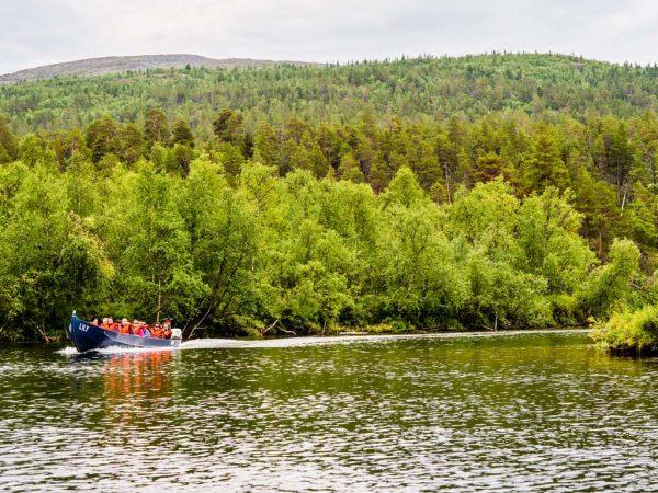 Kakslauttanen Arctic Resort Lemmenjoki Cruise