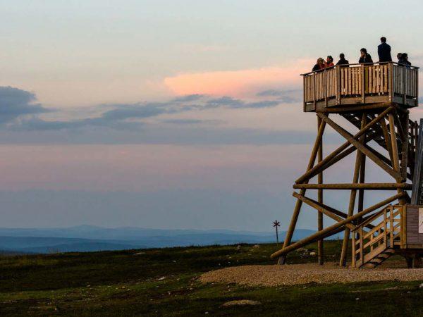 Kakslauttanen Arctic Resort Midnight Summer Spotting