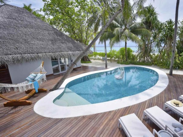 Kanuhura Maldives Lobby Pool View