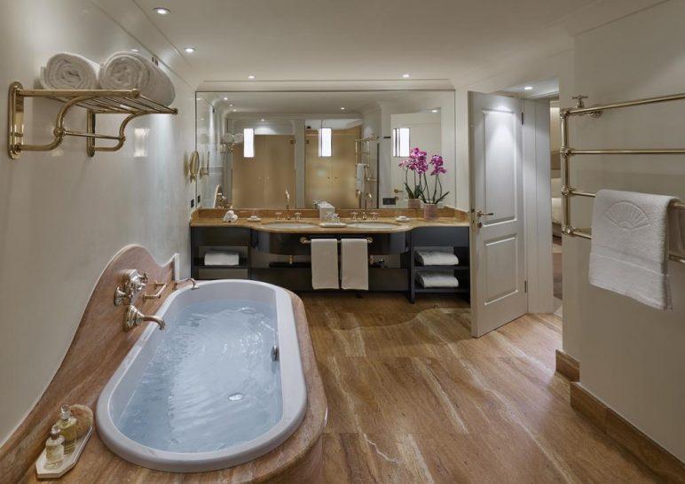 Mandarin Oriental Lago di Como Duplex Suite Bathroom