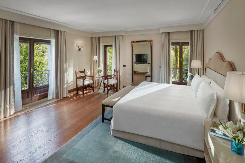 Mandarin Oriental Lago di Como Junior Suite Bedroom