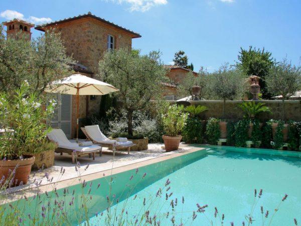 Relais Borgo Santo Pietro La Casa dei Fiori Bianchi Pool House