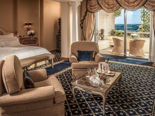 Rome Cavalieri, A Waldorf Astoria Resort Alcove Suite