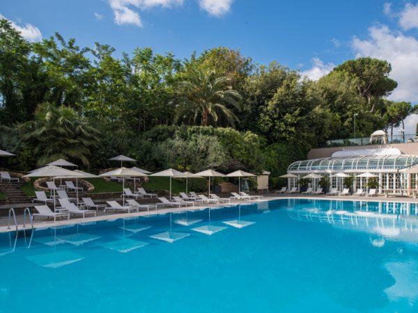 Rome Cavalieri, A Waldorf Astoria Resort Outdoor Pool