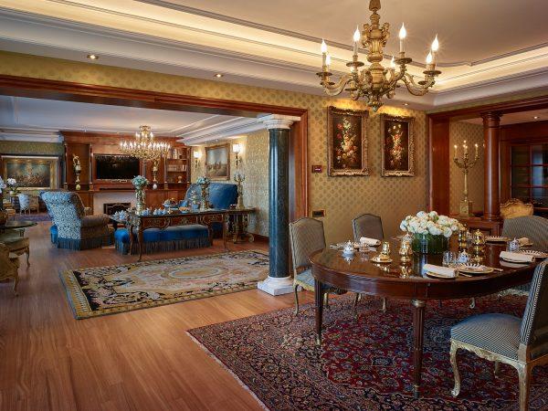 Rome Cavalieri, A Waldorf Astoria Resort Petronius Suite