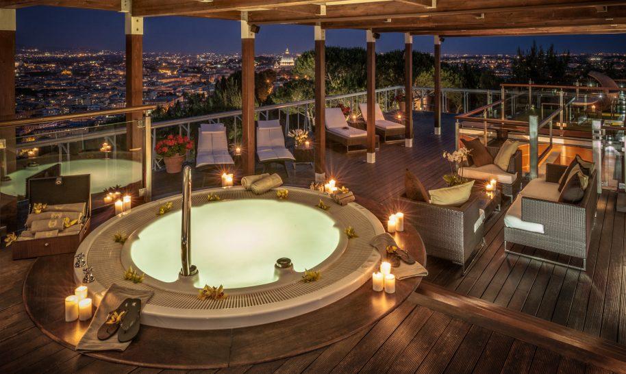 Rome Cavalieri, A Waldorf Astoria Resort Planetarium Suite