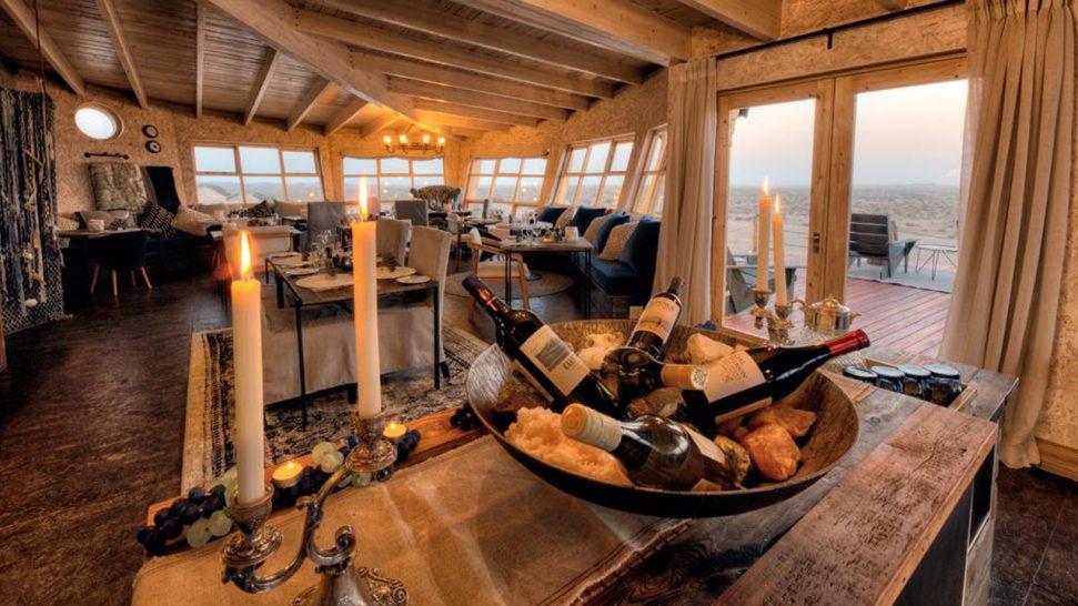 Shipwreck Lodge Bar
