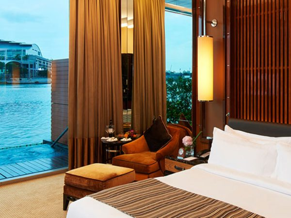 The Fullerton Bay Hotel Premier Bay View Room