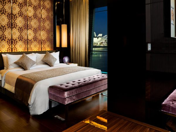 The Fullerton Bay Hotel Theme Suite