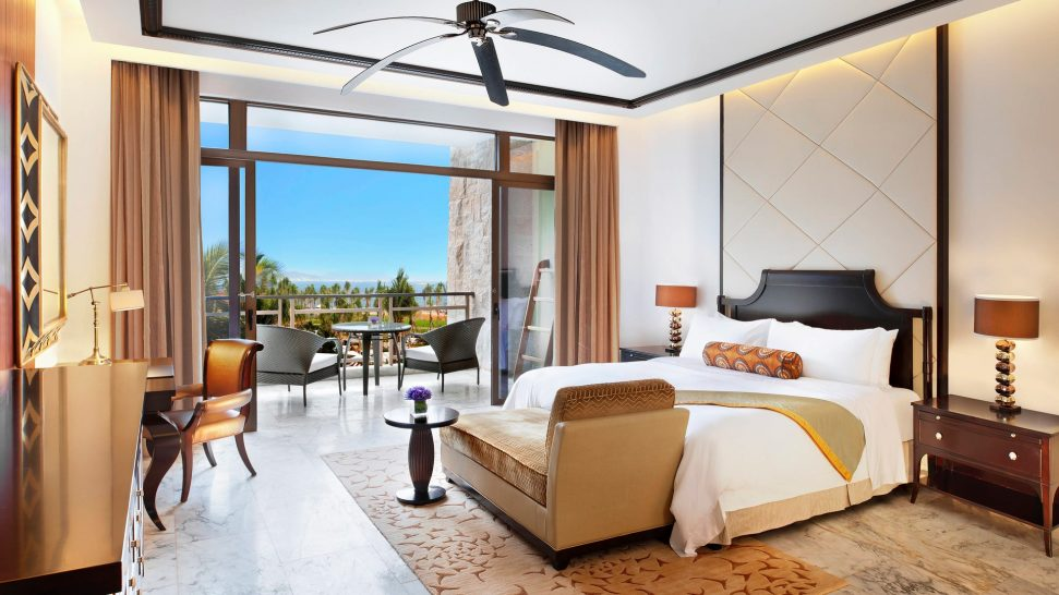 The St. Regis Sanya Yalong Bay Resort Grand Ocean Room Guest room, 1 King, Partial ocean view, Balcony