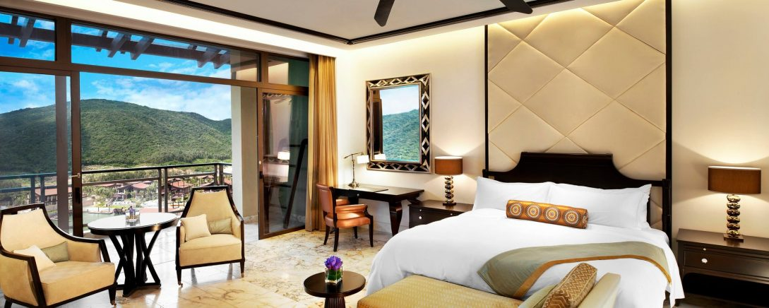 The St. Regis Sanya Yalong Bay Resort Marina Room Guest room, 1 King, Marina view, Balcony