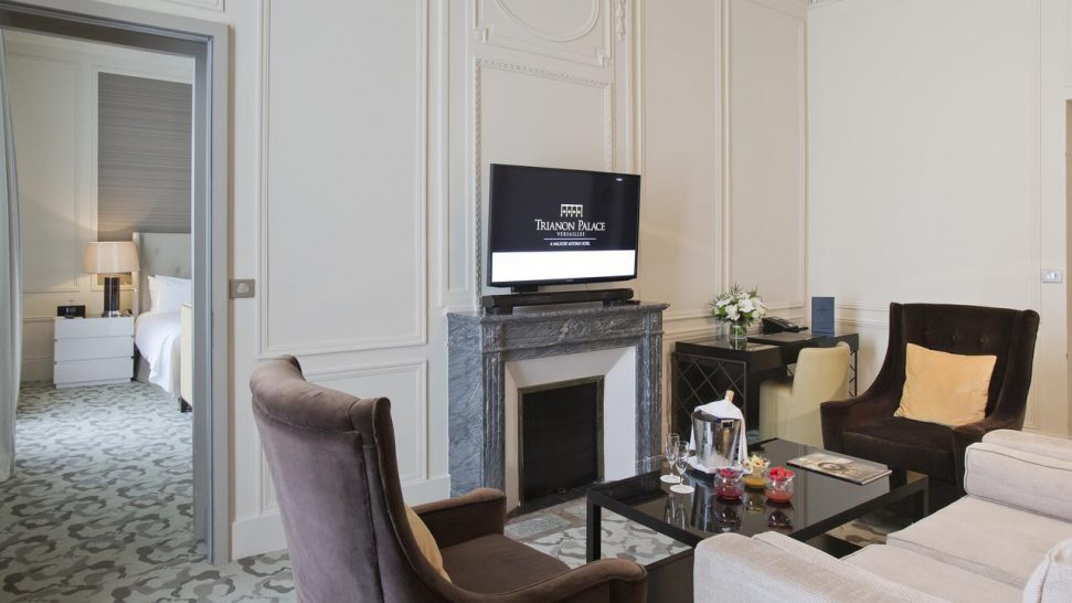 Waldorf Astoria Trianon Palace Versailles King Deluxe Suite With Garden View