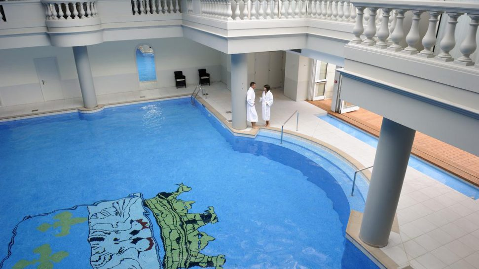 Waldorf Astoria Trianon Palace Versailles Pool