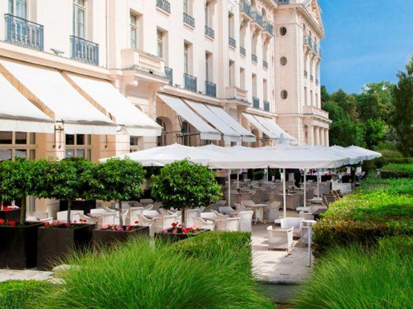 Waldorf Astoria Trianon Palace Versailles Terrasse Du Bar Galerie