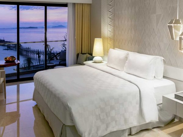 Ayana Komodo Resort, Waecicu Beach Full Ocean View Room