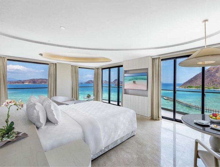 Ayana Komodo Resort, Waecicu Beach Full Ocean View Suite