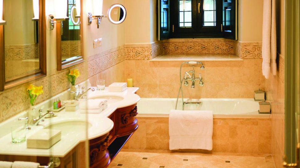 Belmond Hotel Monasterio Bathroom