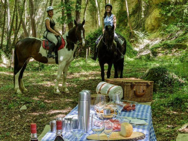 Borgo Pignano Horseback riding