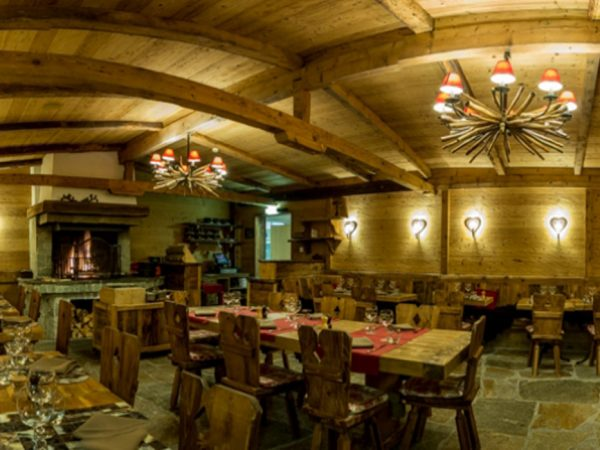 Chalet RoyAlp Hotel Spa Royalp The Grizzly