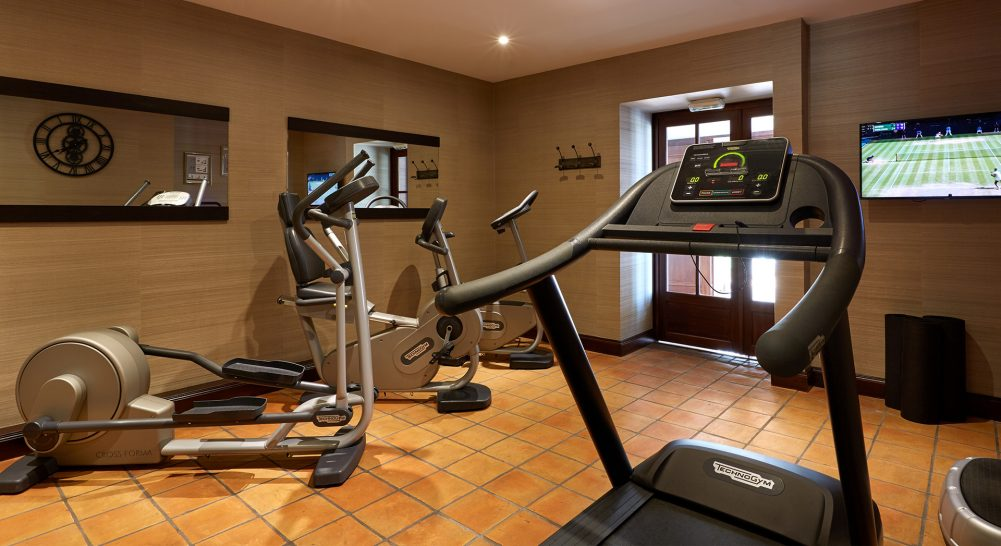 Chateau Hotel and Spa Grand Barrail Gym