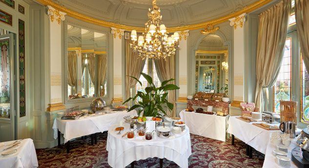 Chateau Hotel and Spa Grand Barrail Rotonde Breakfast Room