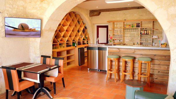 Chateau des Vigiers Bar Le 19
