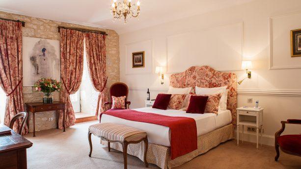Chateau des Vigiers Deluxe Room