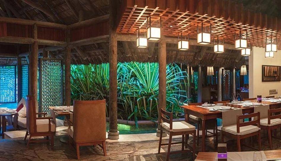 Constance Ephelia Mahe Seychelles Cyann Bar