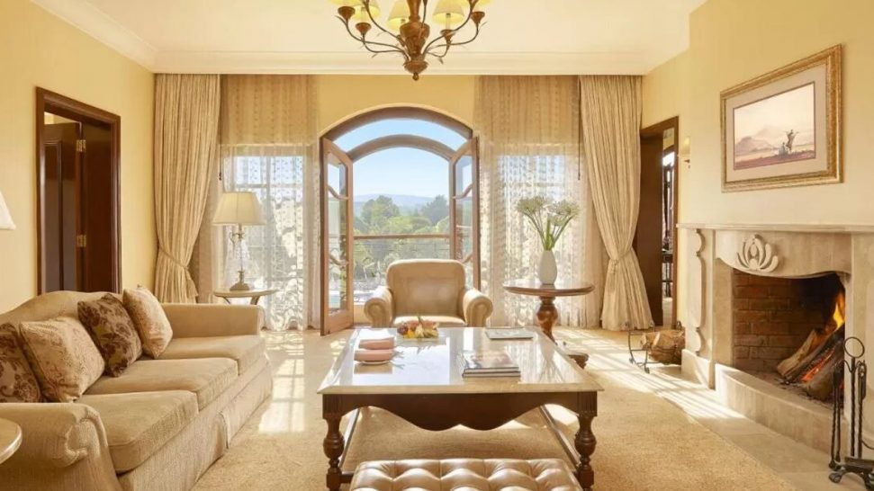 Fairmont Mount Kenya Safari Club Raymond Suite