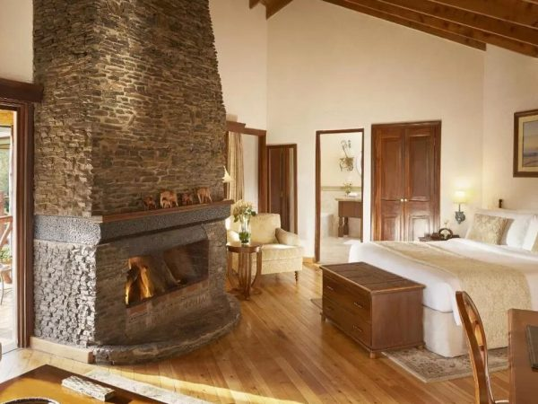 Fairmont Mount Kenya Safari Club RivFairmont Mount Kenya Safari Club Riverside Suiteerside Suite