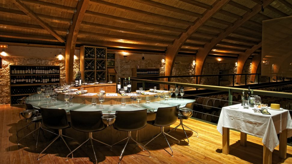 Hacienda Zorita Tasting table