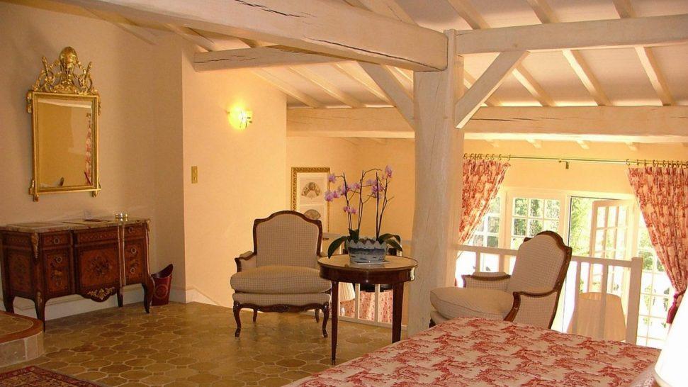 Hostellerie de Plaisance Vineyard House Suite