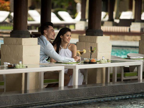 InterContinental Bali Resort Pool Bar
