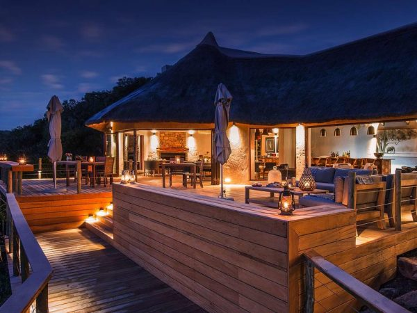 Inzolo Exclusive Game Lodge Night View
