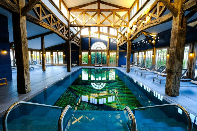 Les Sources de Caudalie spa pool