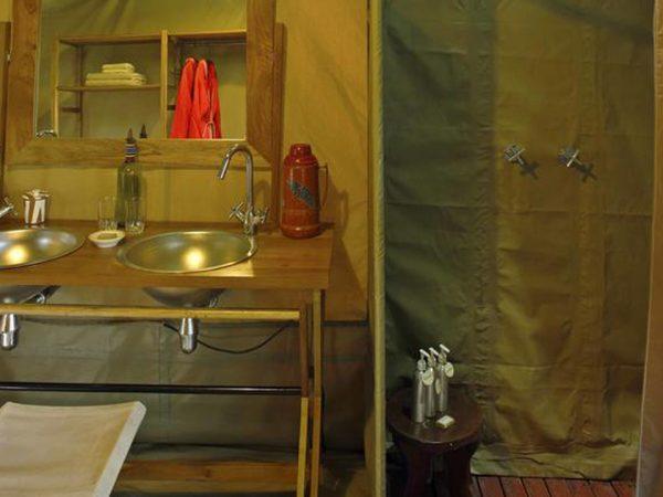 Rekero Camp Bathroom