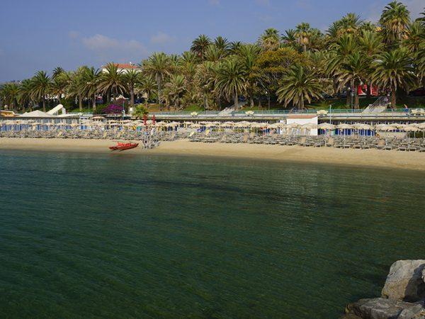 Royal Hotel San Remo Beach