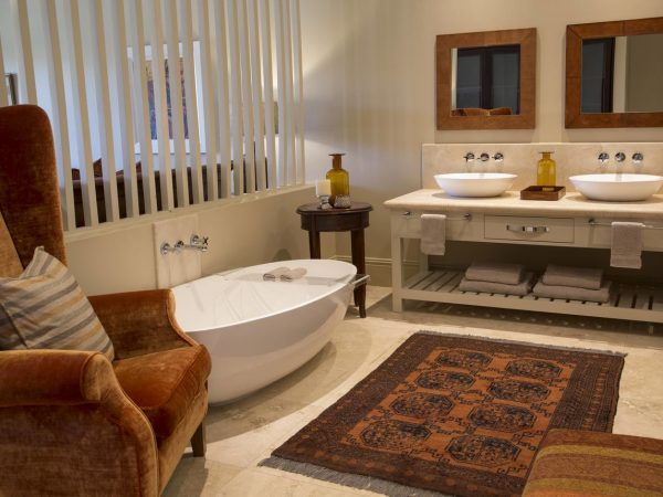 Sante Wellness Retreat and Spa Bathroom