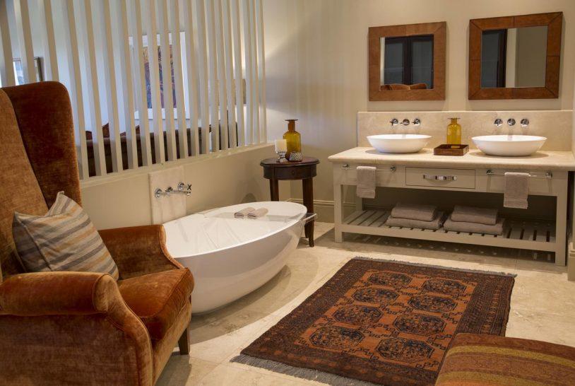 Sante Wellness Retreat and Spa Bathroom