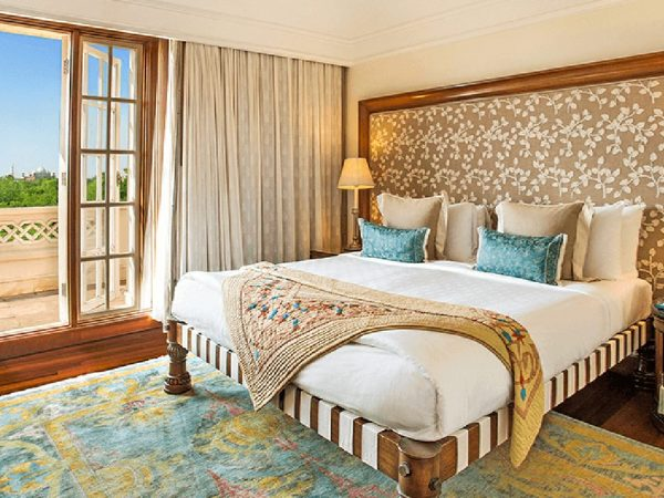 The Oberoi Amarvilas, Agra Deluxe Suite with Balcony