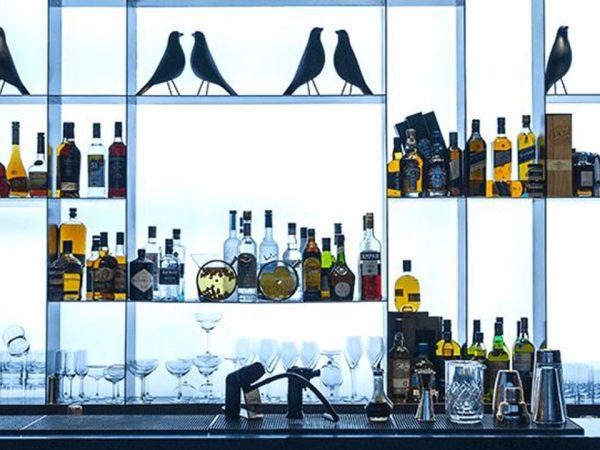The Oberoi Beach Resort Al Zorah Vinesse Bar